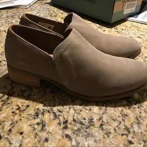Brand new, never worn TOMS Shaye booties.